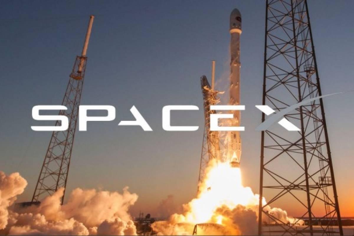 Suspenden lanzamiento de 57 minisatélites de SpaceX.