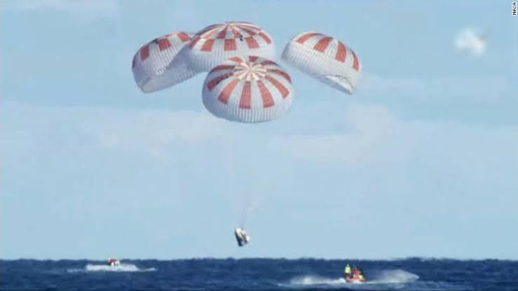 Cápsula SpaceX regresa a la tierra; aterrizó en el Golfo de México