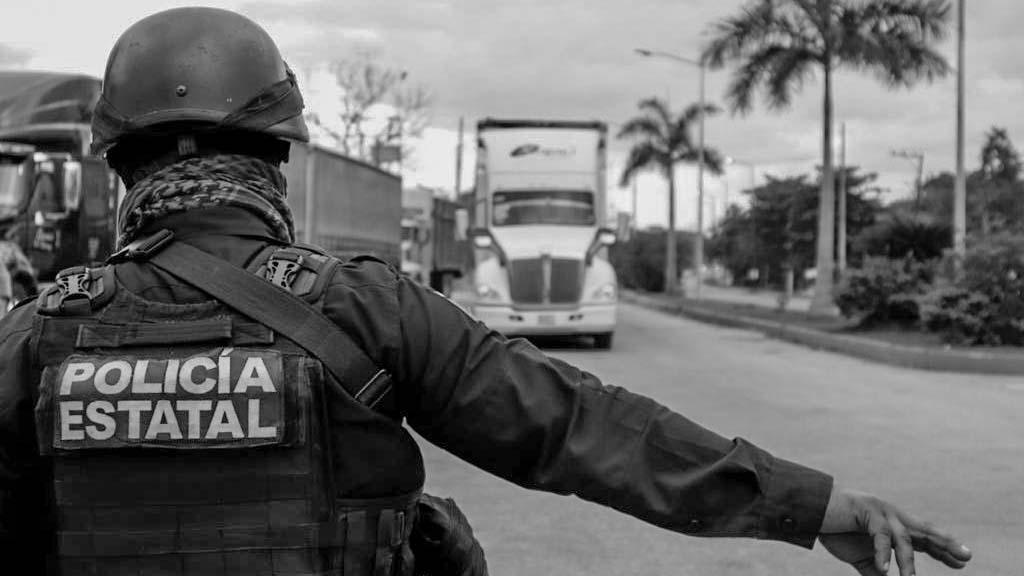 Balean a policías estatales en Ciudad Judicial, Oaxaca